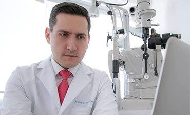 Dr. Juan Pablo Olivares